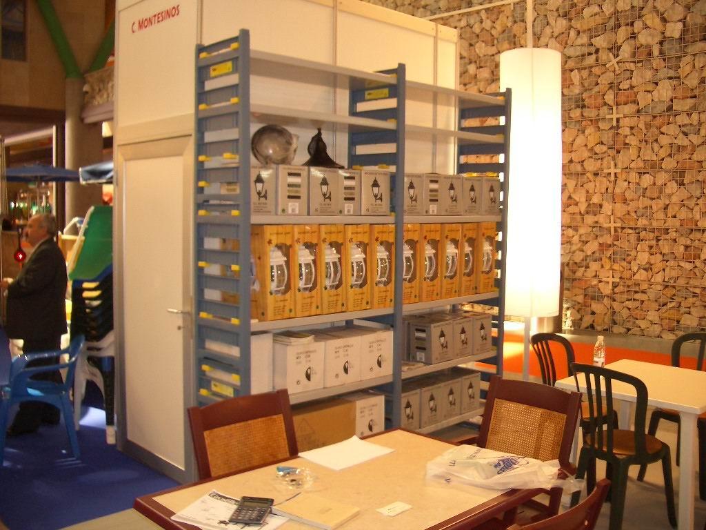 Alquiler de estanteria de resina estante 230x39cm - Estanteria de resina ...