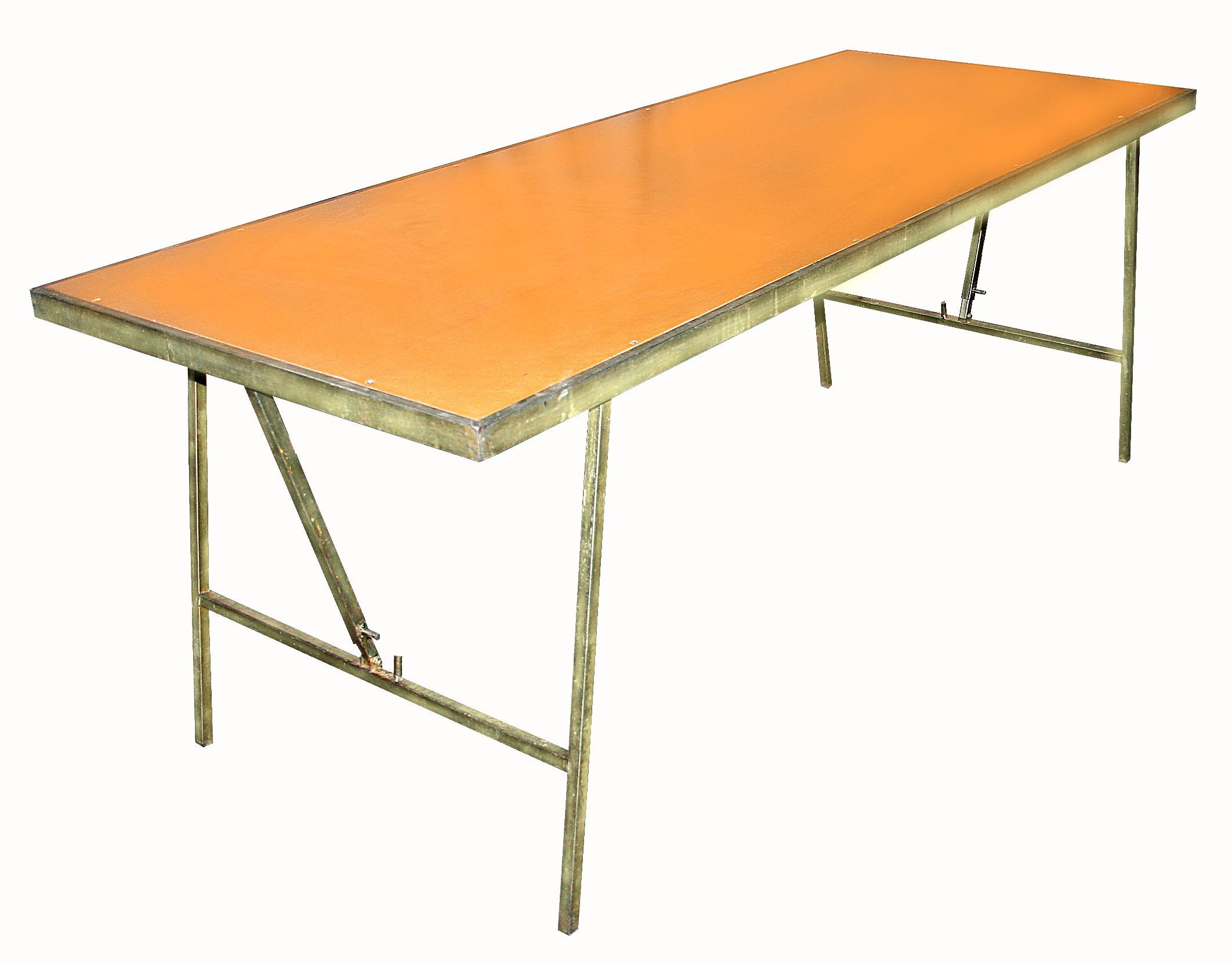 alquiler de mesa sobre de madera patas de hierro