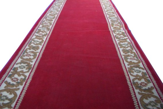 Alquileres alfombra granate con orlas doradas - Alquiler alfombras ...